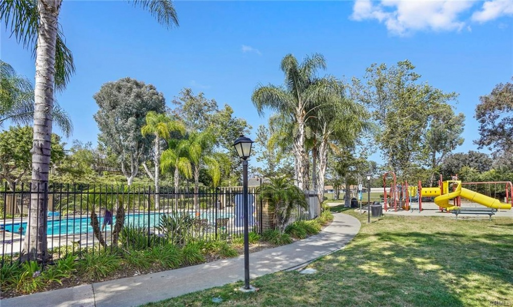 22948 Via Nuez, Mission Viejo, Orange, California, United States 92691, 2 Bedrooms Bedrooms, ,1 BathroomBathrooms,Residential Home,SOLD,Via Nuez,1,1170