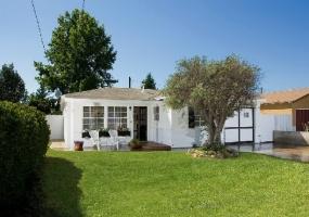 2081 Orange Ave, Costa Mesa, Orange, California, United States 92627, 3 Bedrooms Bedrooms, ,1 BathroomBathrooms,Residential Home,SOLD,Orange Ave,1028