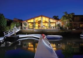 103 Linda Isle, Newport Beach, California, United States 92660, 4 Bedrooms Bedrooms, ,3 BathroomsBathrooms,Residential Home,SOLD,Linda Isle,1007
